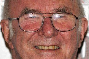 Clive James Death Cause and Date