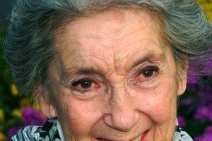 Frances Bay Death Cause and Date